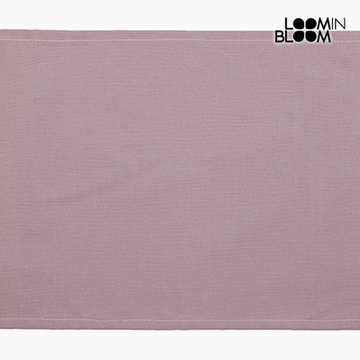 Dug Pink (30 x 45 x 0,05 cm) by Loom In Bloom
