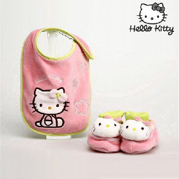 Bib and booties set Hello Kitty 9425