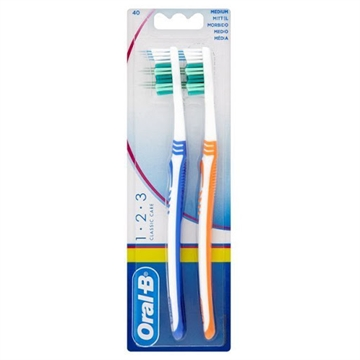 Oral B Toothbrush 1.2.3 Classic Care Twin